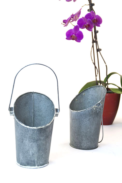 Galvanized Wall Pocket Pail with Vintage Look